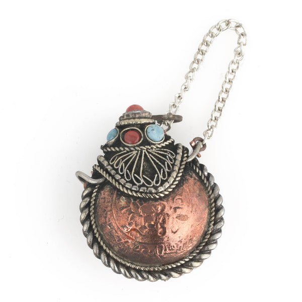 Copper snuff bottle pendant. Nepal. 30x40x16mm. b18-0337(e)