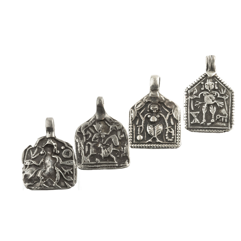 Group of 4 antique silver Hindu amulets 20x15mm- b18-646cs