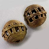 b18-0211- Ghana round cagebshaped lost wax cast brass bead.