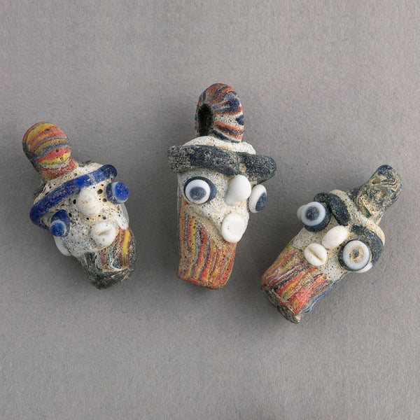 Ancient Phoenicia glass head pendant reproduction. Sold individually. b1-840(e)