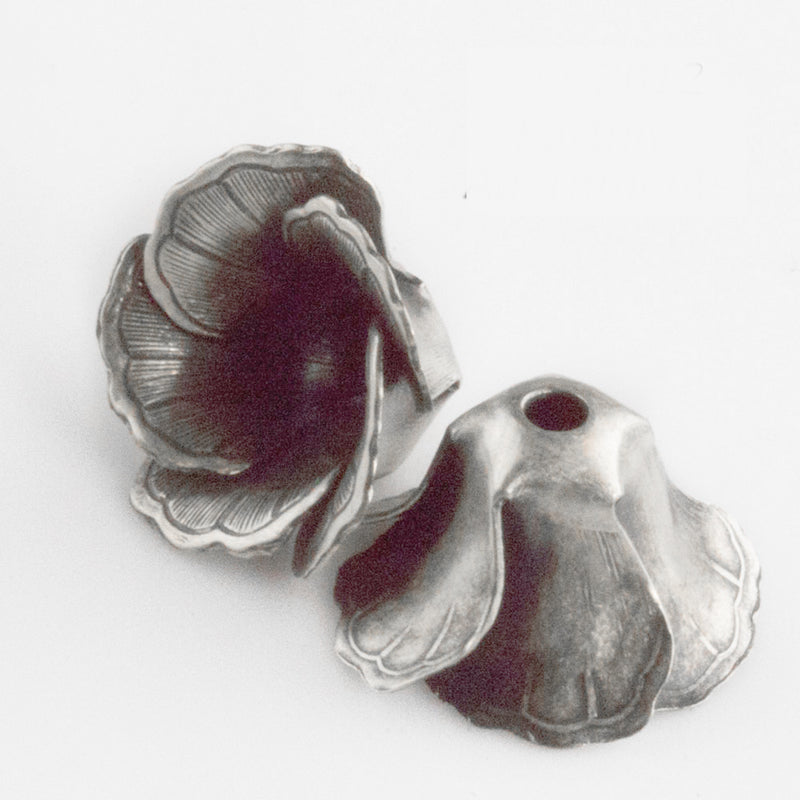 Sterling silver Plated brass etched flower petal bead cap. 12x18mm. 4 pieces. b18-431s