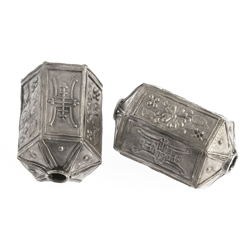 Silver on copper hollow  hexagonal Shou lantern bead   40x25mm.  Pkg1.b18-648