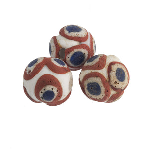 Ancient Mediterranean glass eye bead reproduction. 18 to 19mm. Pkg 1.  b1-892