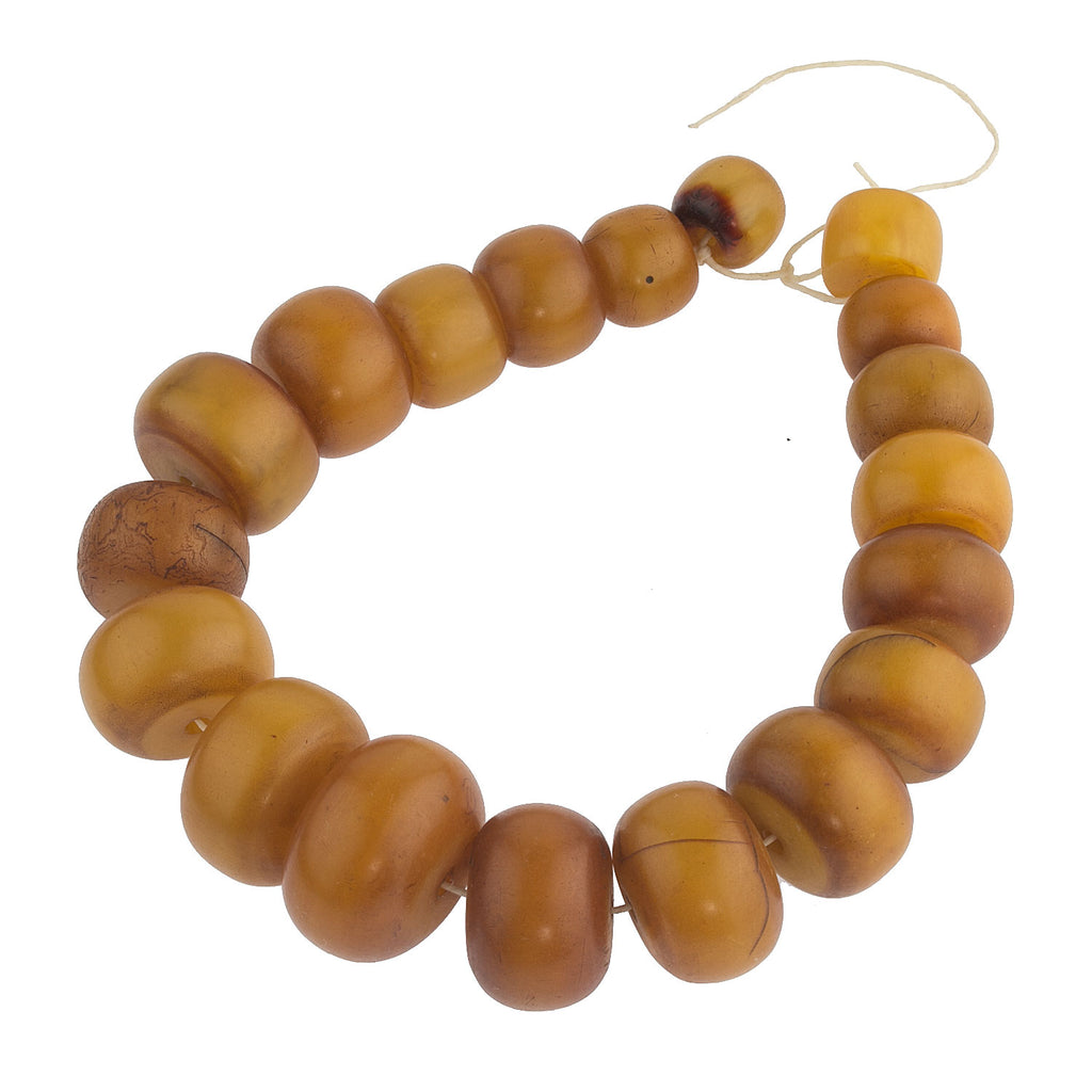 "Old ""African Amber"" Phenolic resin bead strand.  b4-amb093cs"