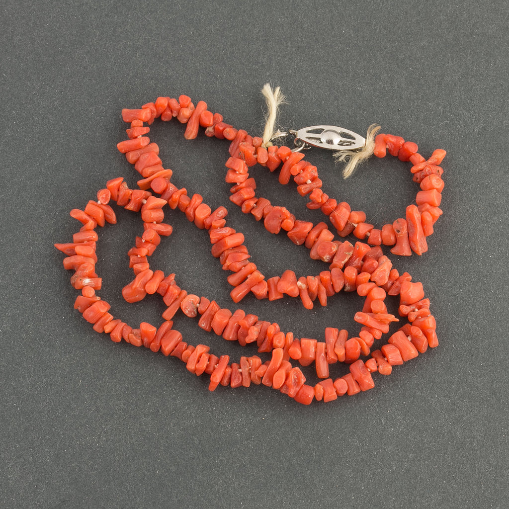 Vintage Italian natural Mediterranean red cupolini 4-5mm coral bead strand 14 inches. b4-cor443