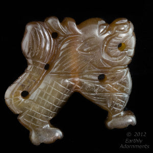 Serpentine Fu Dog carved pendant  40x35mm 1 pc. b4-ser438