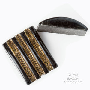 Art deco square ridged black cabs with gold décor. 12x11mm. b5-931