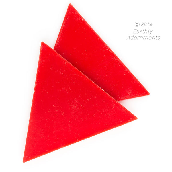 b6-213-Flat red plastic triangle. 56mm. Package of 4.