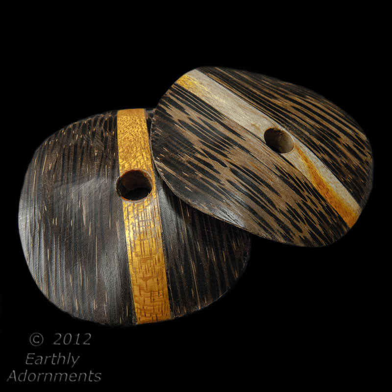 Vintage carved laminated palmwood wavy disks, average 40mm, sold individually. b7-wo276