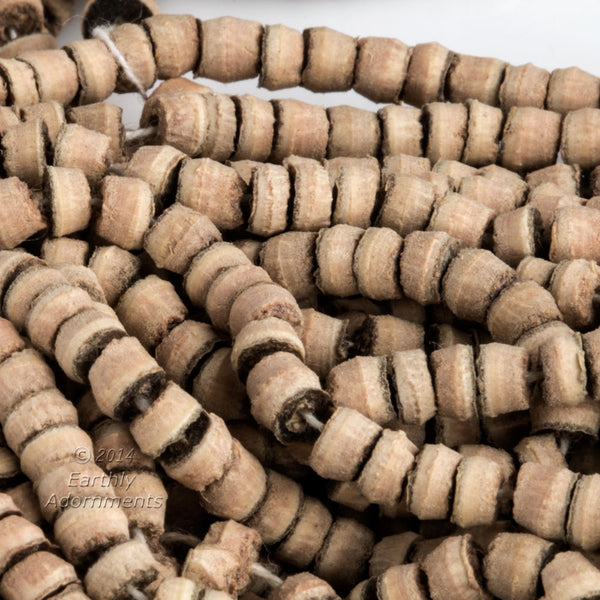 Balsa wood heishi beads. 4mm. Package of 200. b7-wo297(e)