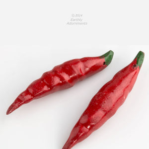 Vintage carved, painted and lacquered chili pepper pendants. Avg. size 55x10mm. Sold individually. b7-wo304