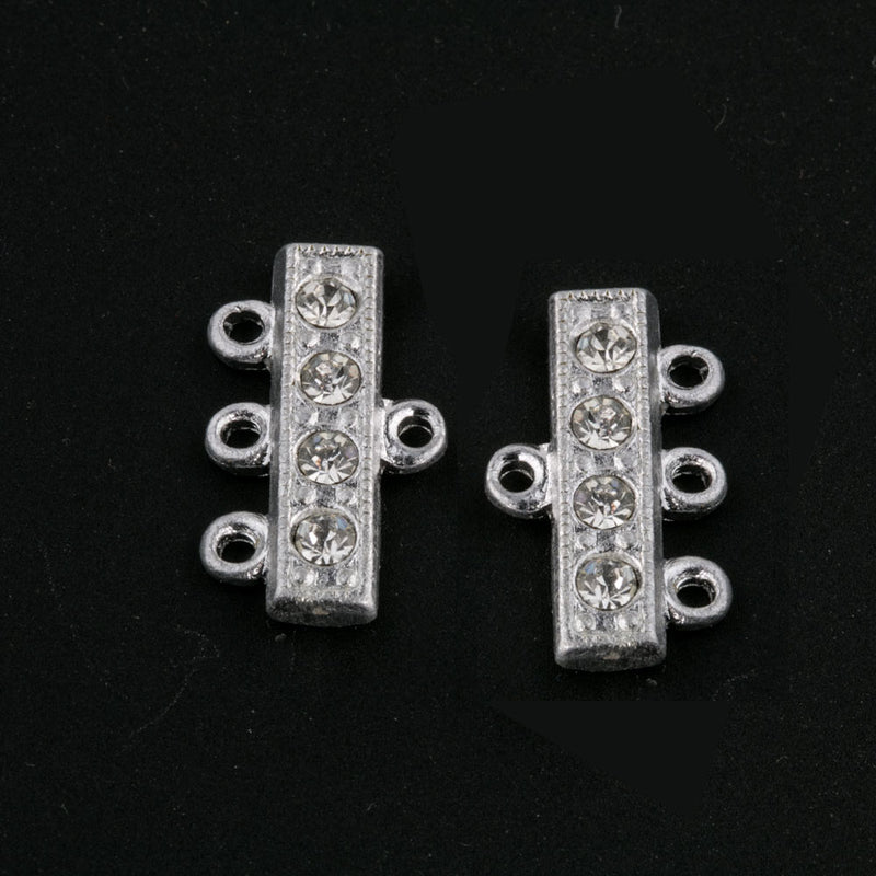 Vintage 3 ring rhodium plated rhinestone connector. 18mm wide. b8-353b