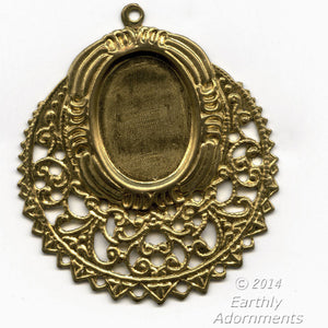 Solid brass stamped filigree pendant with a 18x13mm oval setting. Pkg. of 2. b9-2319