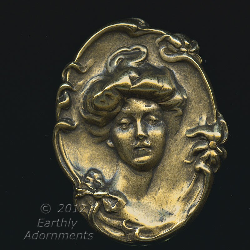Victorian lady cameo oxidized brass stamping. 43 x 55 mm. 1 pc. b9-0846(e)