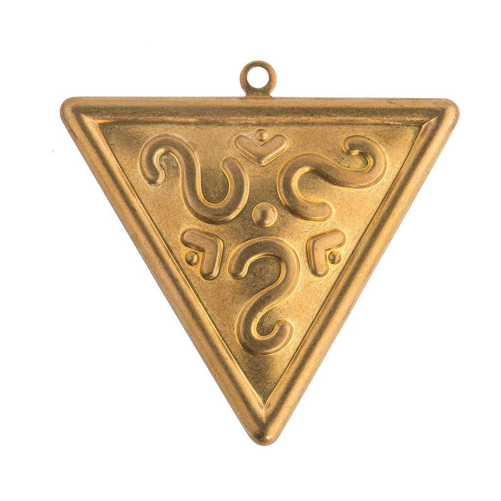 Vintage stamped brass triangle stamping. 35mm Pkg. of 1. b9-0892