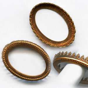b9-0925-Vintage copper pronged bezel setting for 25x19mm cabochon. Pkg of 1