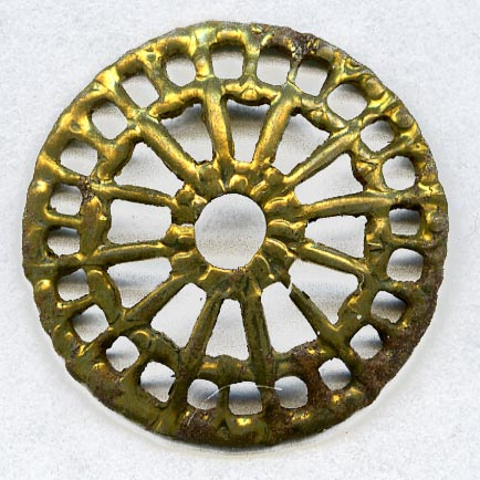 Vintage filigree wheel shaped wide bead cap or disk. 17mm pkg of 4. b9-0940(e)
