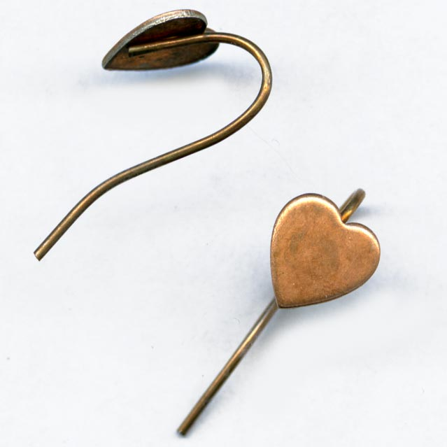Copper over steel ear wire with stamped heart package of 10. b9-0946(e)