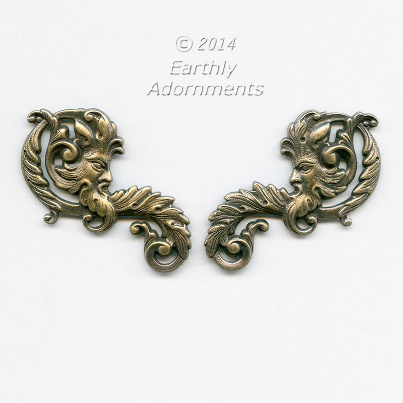 Mythical green man stamping in oxidized brass, 55x25mm. 1