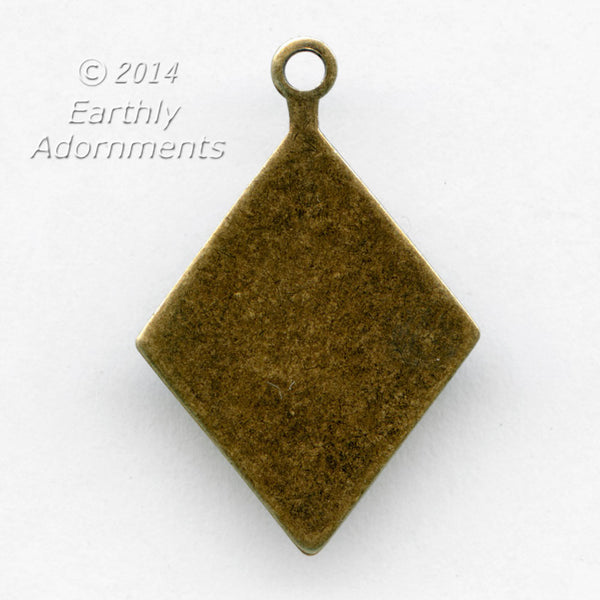 Diamond shaped glue on tab with ring for stone or cabochon. b9-2305(e)