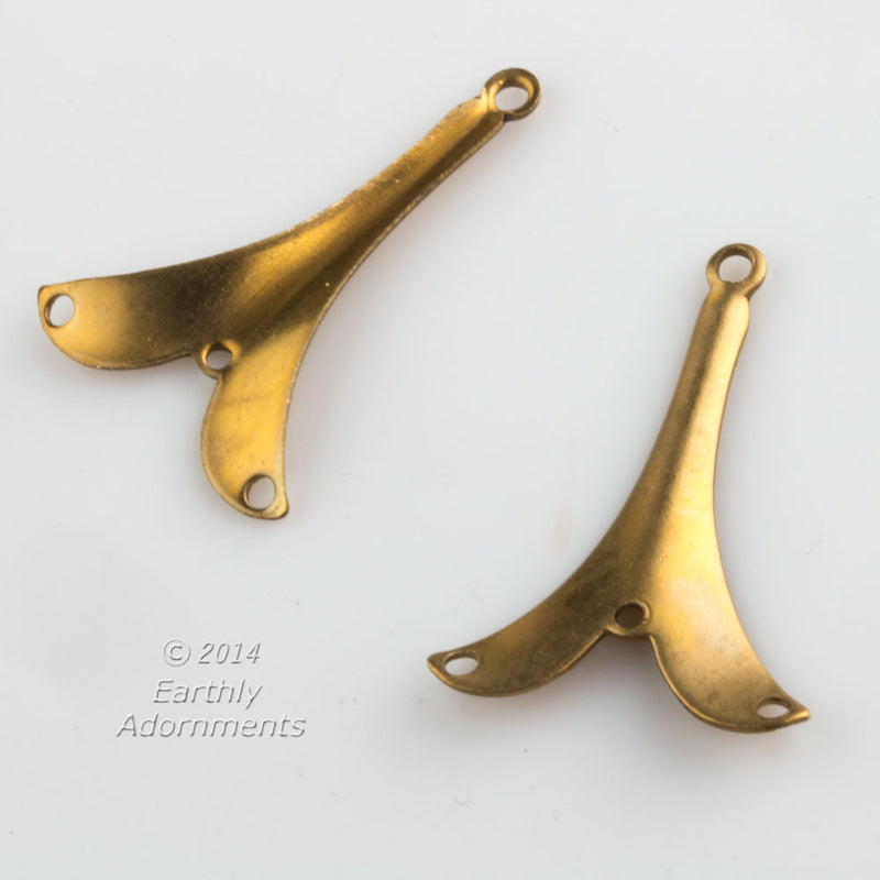 Vintage smooth brass curved chandelier connectors 28x19mm, package of 2.