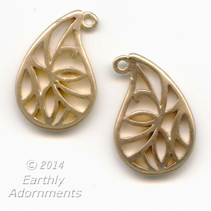Vintage brass paisley openwork leaf, double sided, 19x13mm,