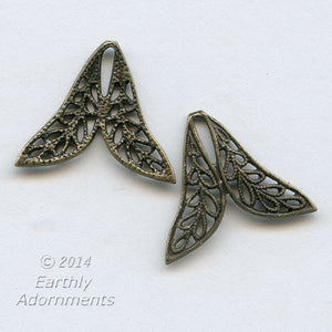 Oxidized brass filigree two petal connector. 17x20mm. Package of