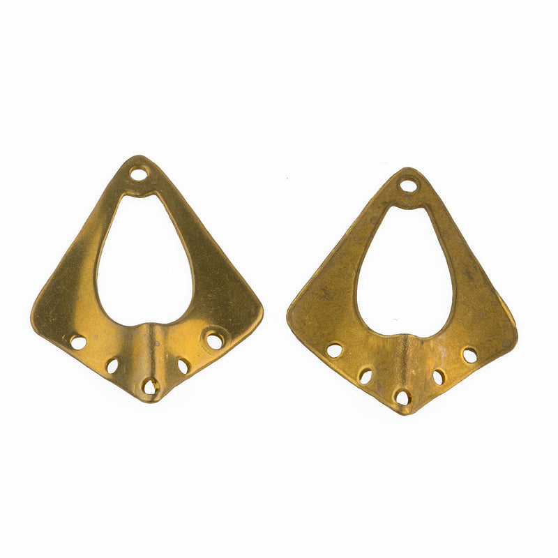 Brass chandelier curved stamping 4 hole 31x24mm. Pkg of 2. b9-2413(e)