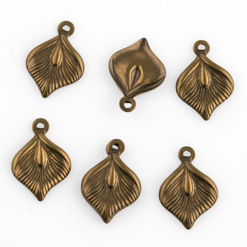Vintage small stamped brass leaf charm 14x9mm. Pkg of 6. b9-2414(e)