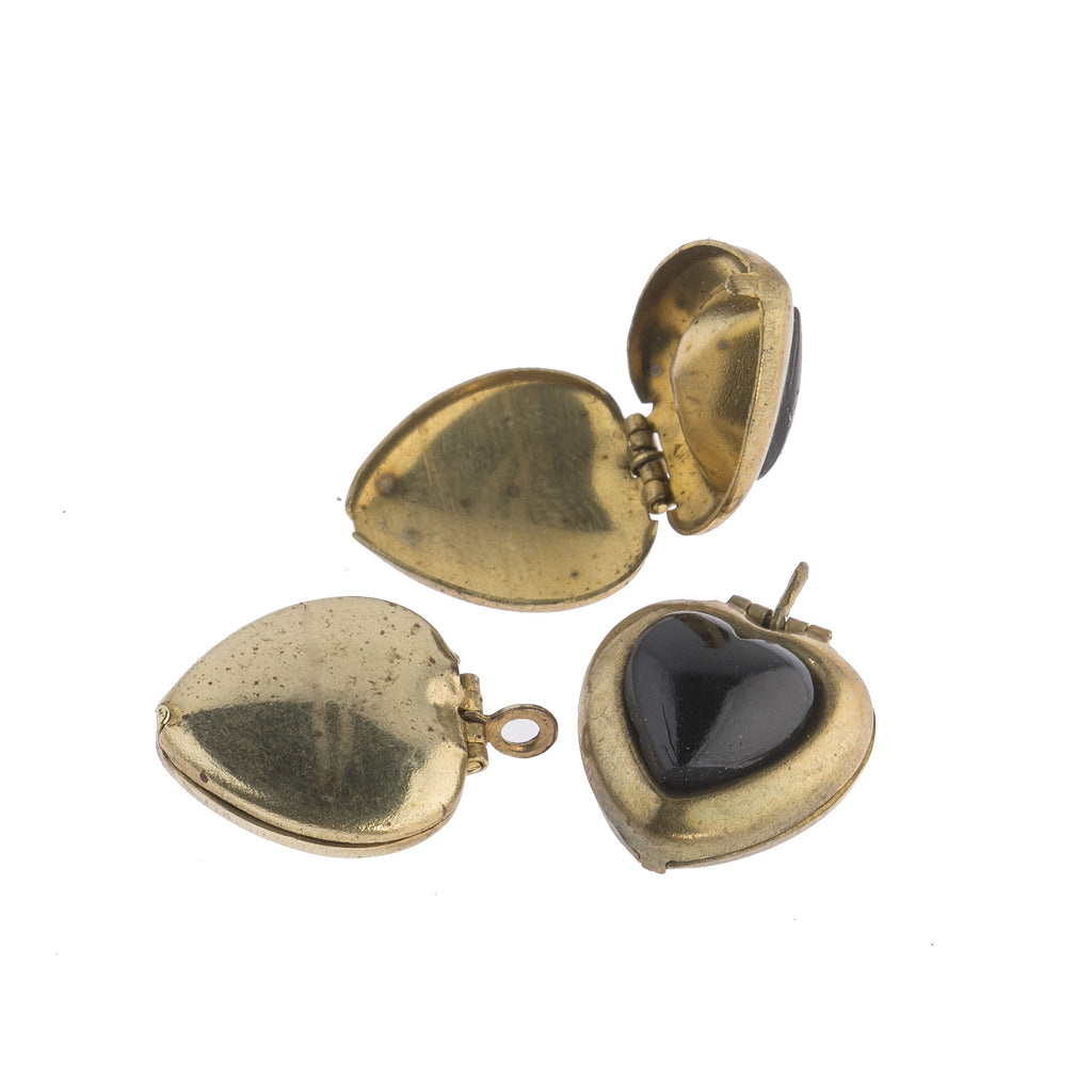 Vintage heart shaped locket with black glass stone, 16x14mm pkg of 1. b9-2493