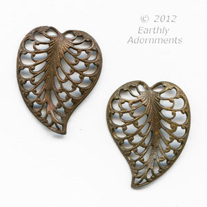 b9-0541 Brass filigree leaf. 15x20mm 1 pair