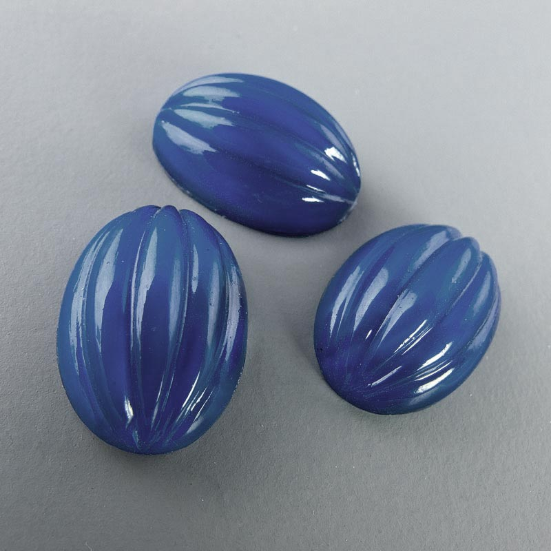 Vintage Bohemian high domed fluted glass cabochon 14x10mm Pkg of 2. b5-648(e)
