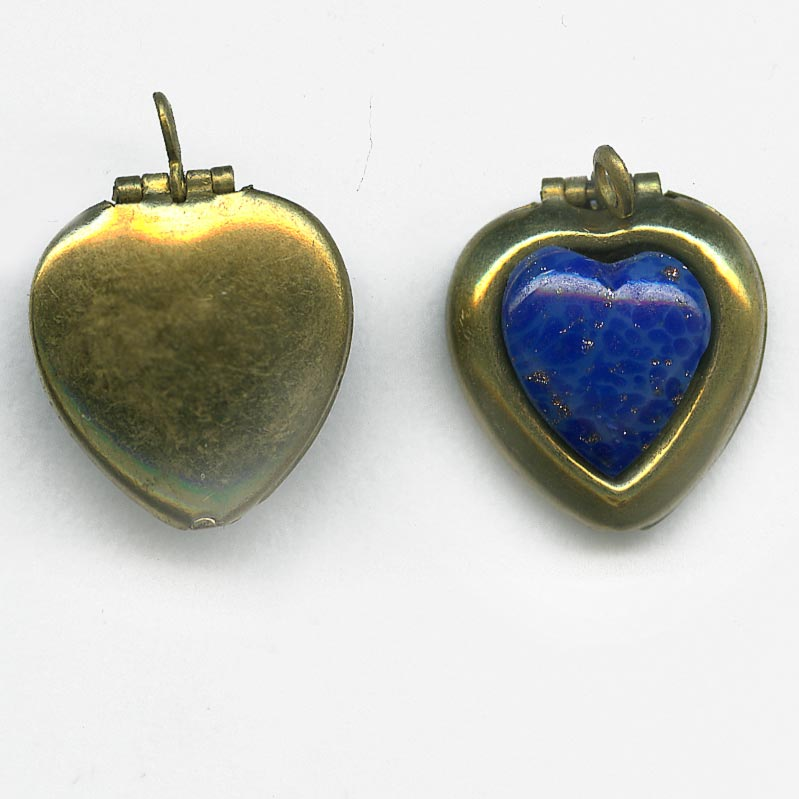 Vintage heart shaped locket with lapis glass stone, 16x14mm pkg of 1. b9-0981