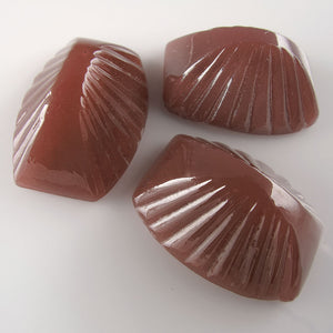 Vintage Bohemian carnelian glass 4 sided pyramid cabochon, 18x13mm Pkg of 2. b5-658(e)