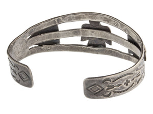 brvs911cs- Vintage 30's-40's Fred Harvey style sterling silver and turquoise stamped split band cuff bracelet.