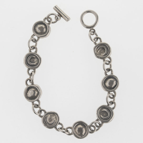 brvs918cs(e)- Contemporary hand made artisan sterling silver link bracelet.