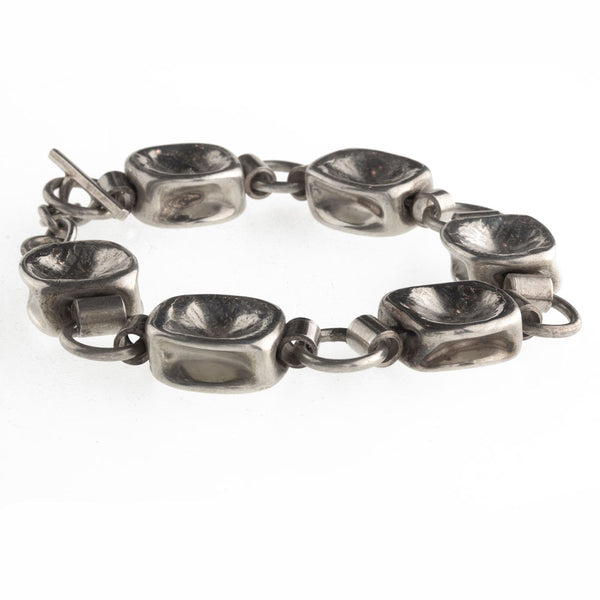 brvs920cs(e)- Sterling silver contemporary artisan hand made link bracelet.