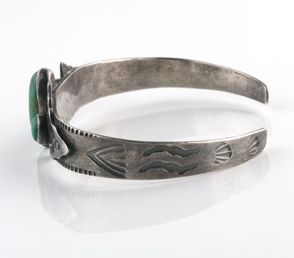 Vintage Navajo Fred Harvey style sterling silver and turquoise cuff bracelet c1930s-40s. brvs947cs(e)