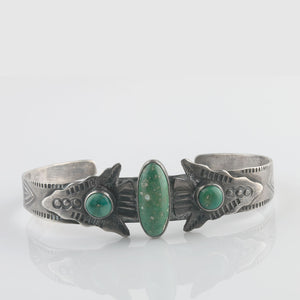 Vintage Navajo Fred Harvey style sterling silver and turquoise cuff bracelet c1930s-40s. brvs947cs