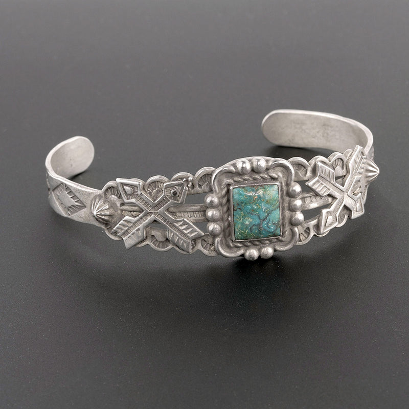 Vintage 30's-40's Fred Harvey style sterling silver and turquoise cuff bracelet. brvs957cs(e)