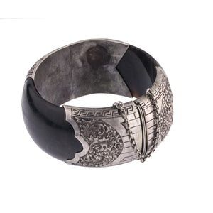 Vintage tortoise shell hinged bangle wrapped in etched and repoussé silver. China. brvs959LC