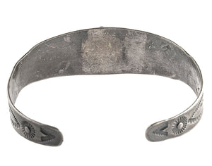 Vintage 1930s-1940s Fred Harvey style sterling silver and turquoise stamped cuff bracelet.brvs963cs