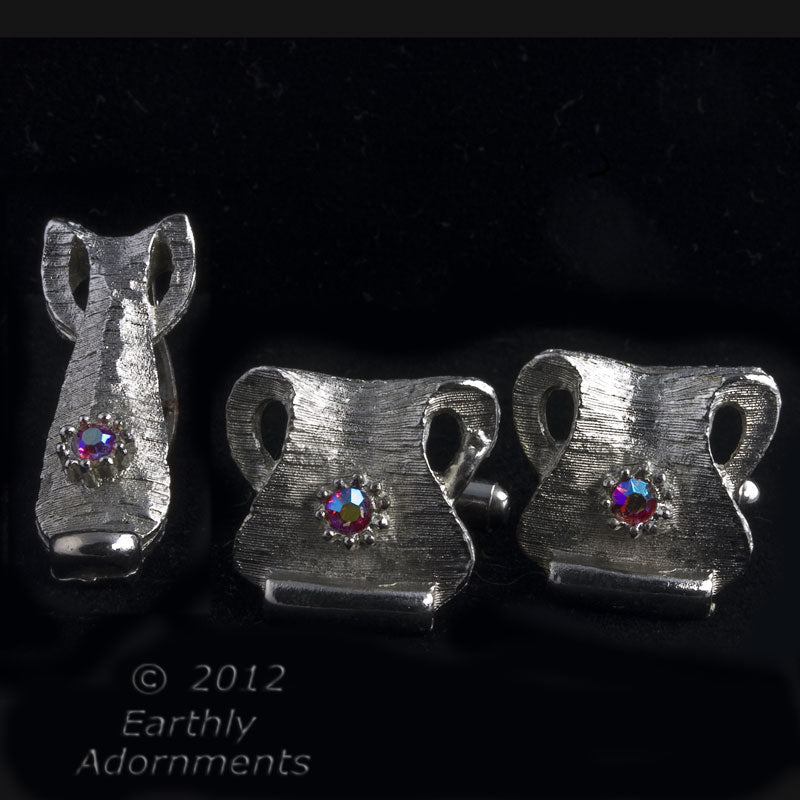 Vintage whimsical modernist silver metal and rhinestone cuff links and tie or scarf clip. btcs101