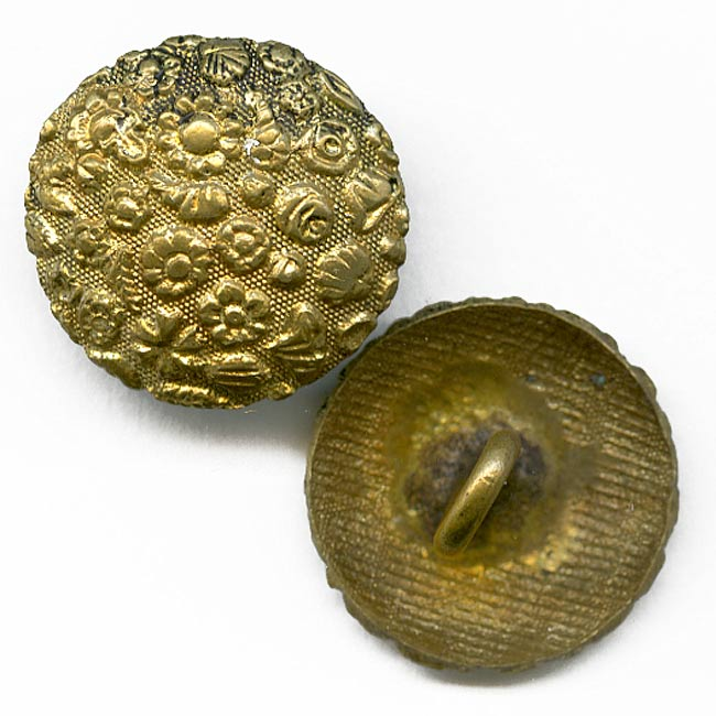 btvc240 Victorian gilded embossed brass buttons 5/8 inches pkg of 2