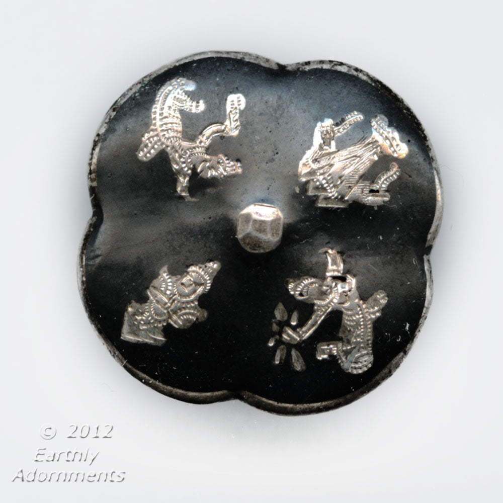Vintage Thai Nakon sterling silver button with Siam dancers 18mm diameter. btvs103