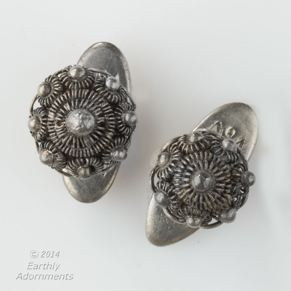 Vintage middle east filigree and granulated silver cufflinks. btvs104