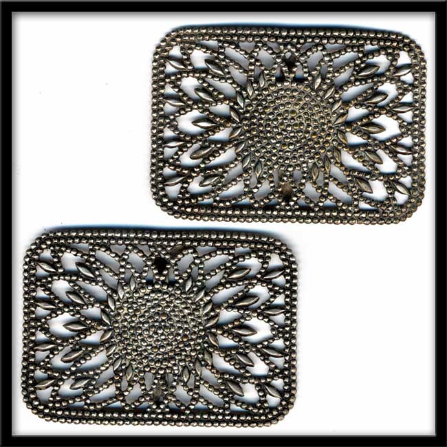 buvc542cn-Pair of Victorian White Metal Buckles