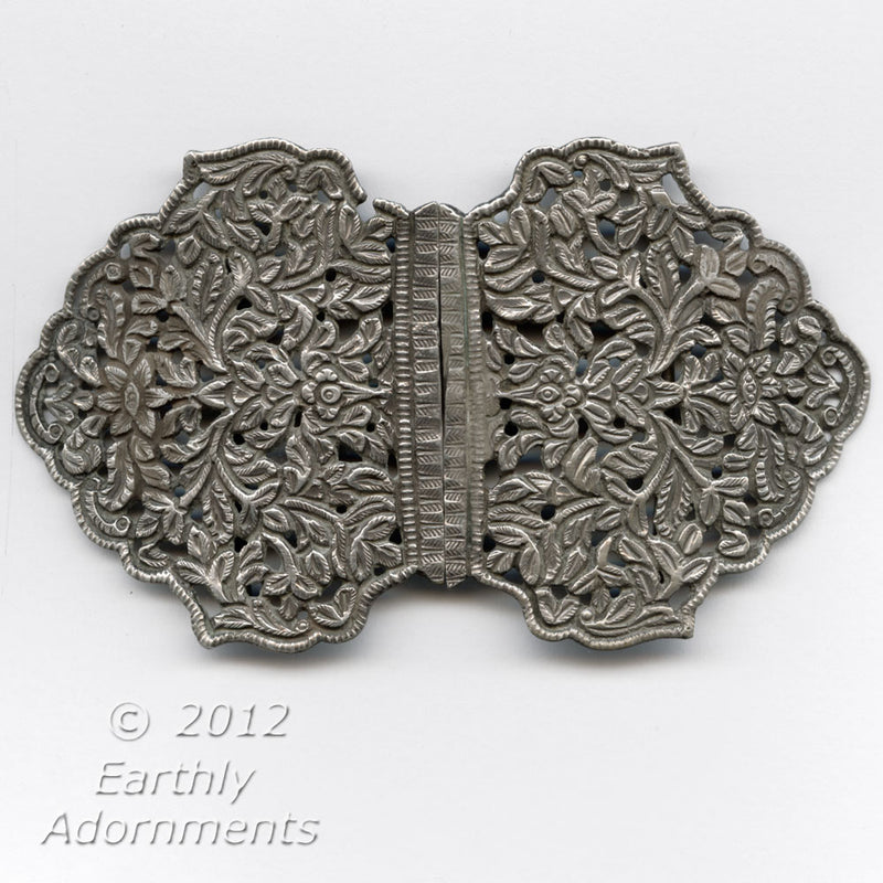 Antique 800 silver nurse's buckle in embossed foliar design.  buvs110
