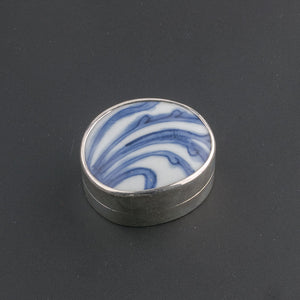 Sterling silver trinket box with antique Chinese Ming Dynasty blue and white porcelain shard.bxor106LC(e)