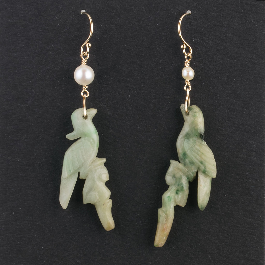 Vintage carved natural jade crested bird earrings with pearls and gold filled wires. erja859